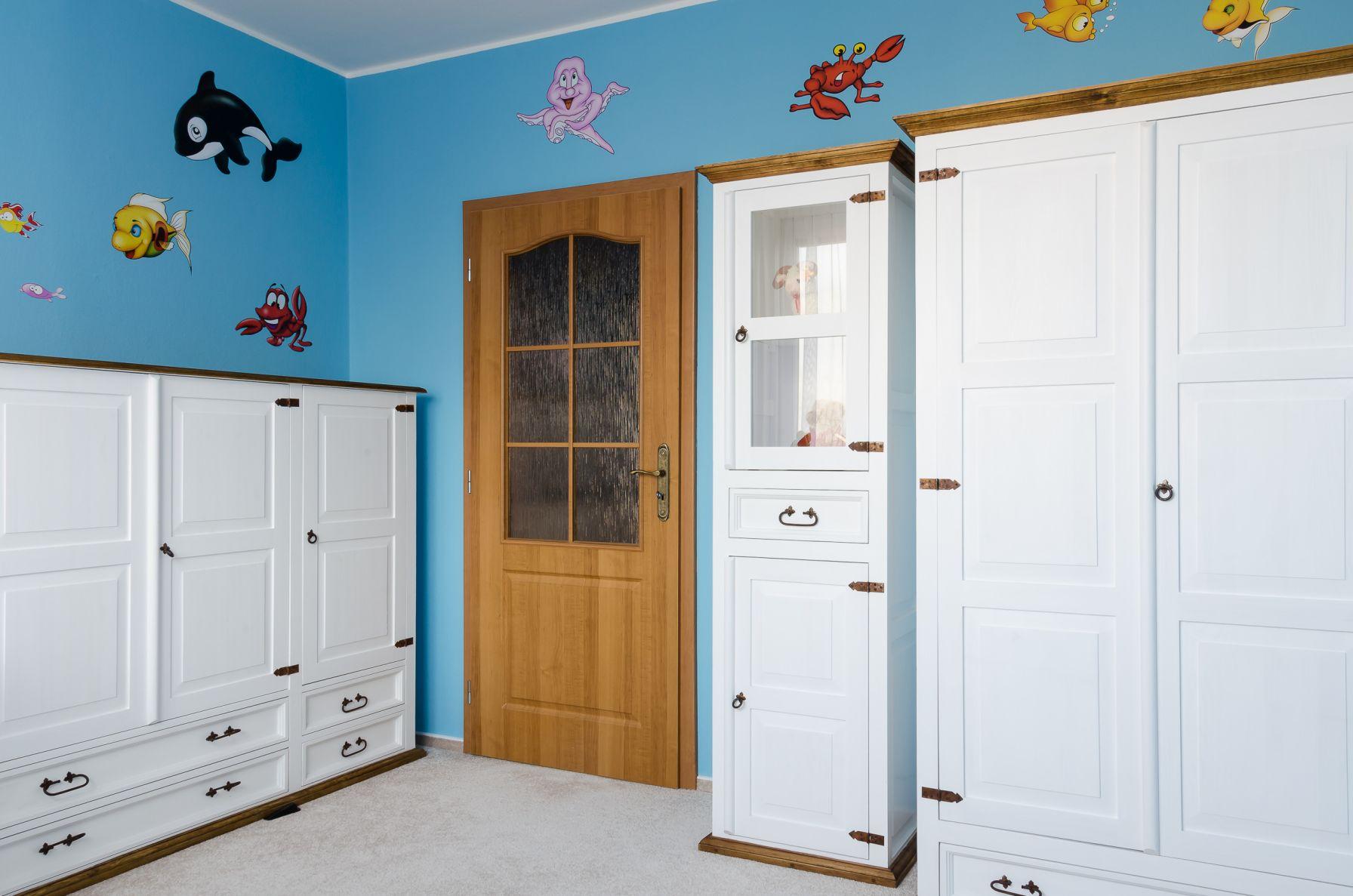 Bílomodrý dětský pokoj